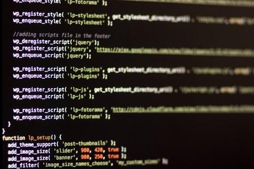 解决织梦dedecms强烈建议data/common.inc.php文件属性设置为644的后台提示