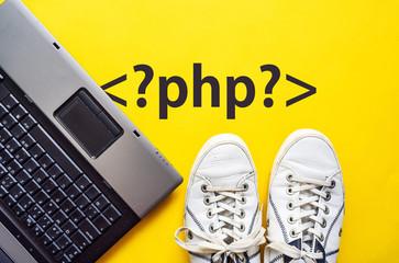 PHP从指定位置开始截取substr字符串前几个字符